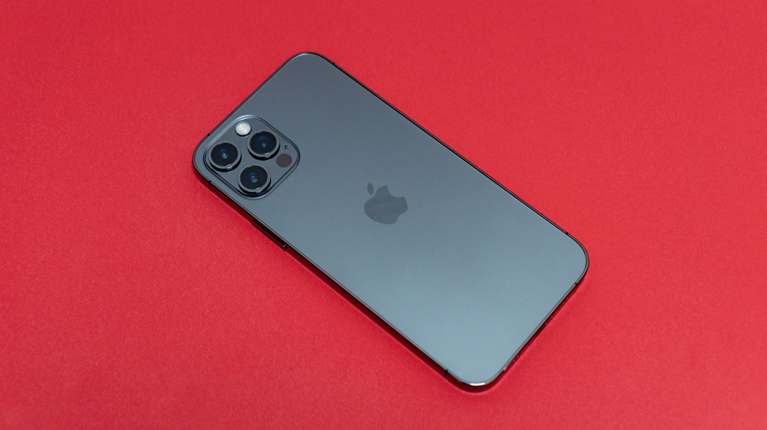 iPhone 12 Pro 5 6000x3368x