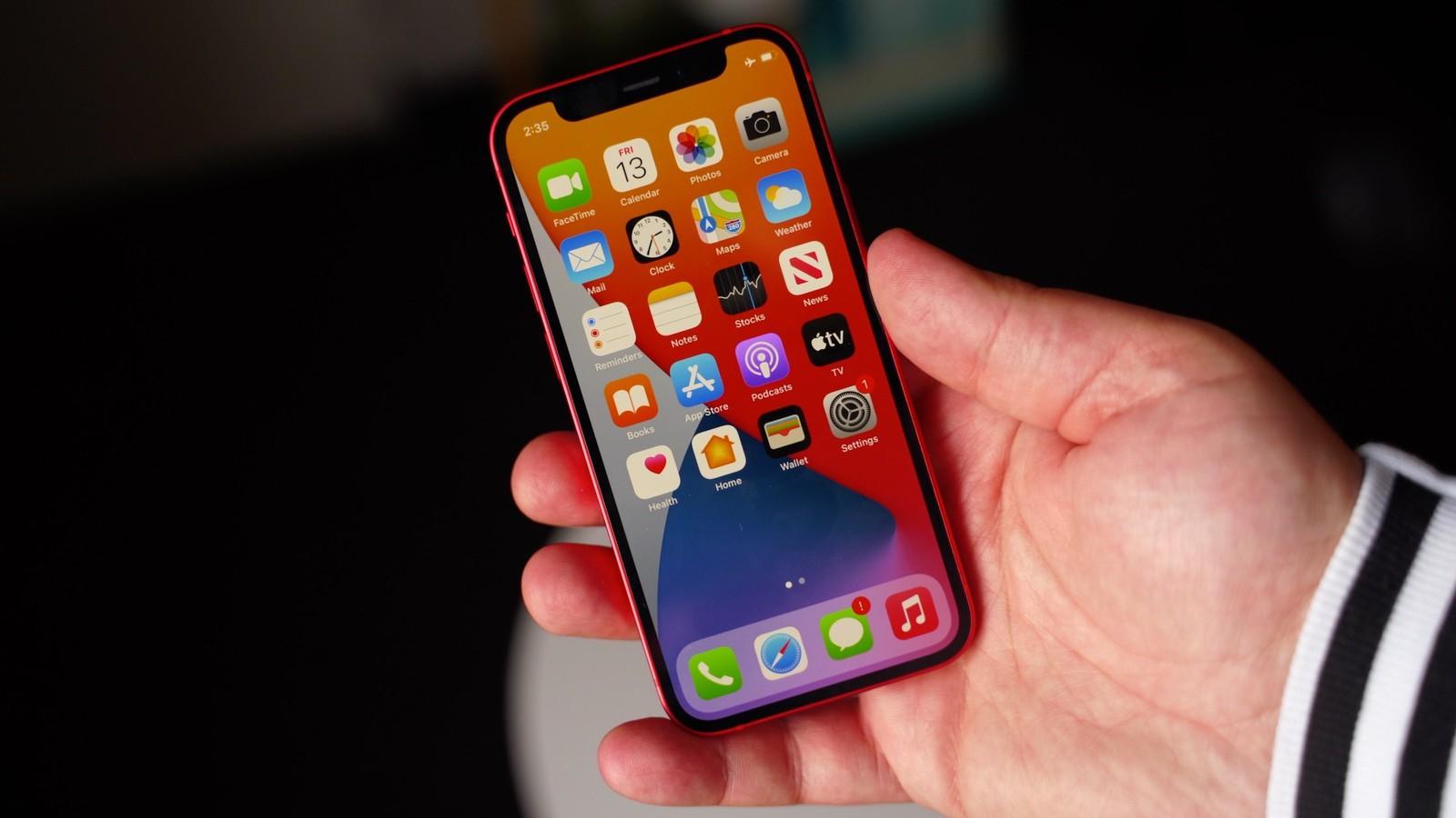 iPhone 12 mini se dočkal opravy problému s citlivostí displeje [aktualizováno]