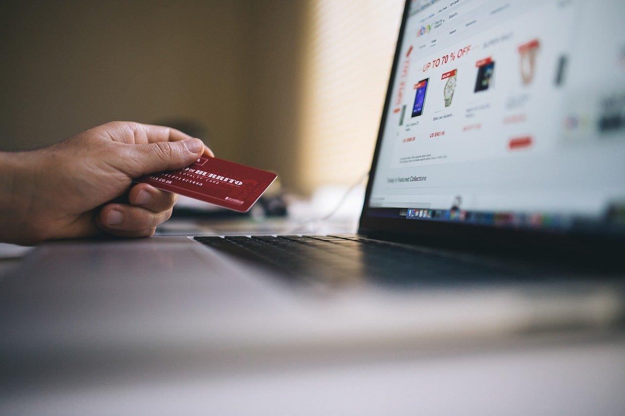 Během nákupů můžete šetřit a ještě získáte 100 Kč [sponzorovaný článek]