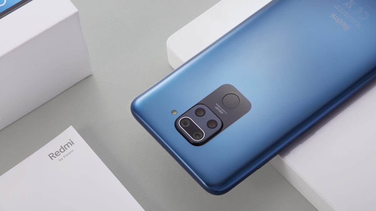 Prodejny znovuotevírají své brány a lákají na zlevněné telefony od Xiaomi a Samsungu [sponzorovaný článek]