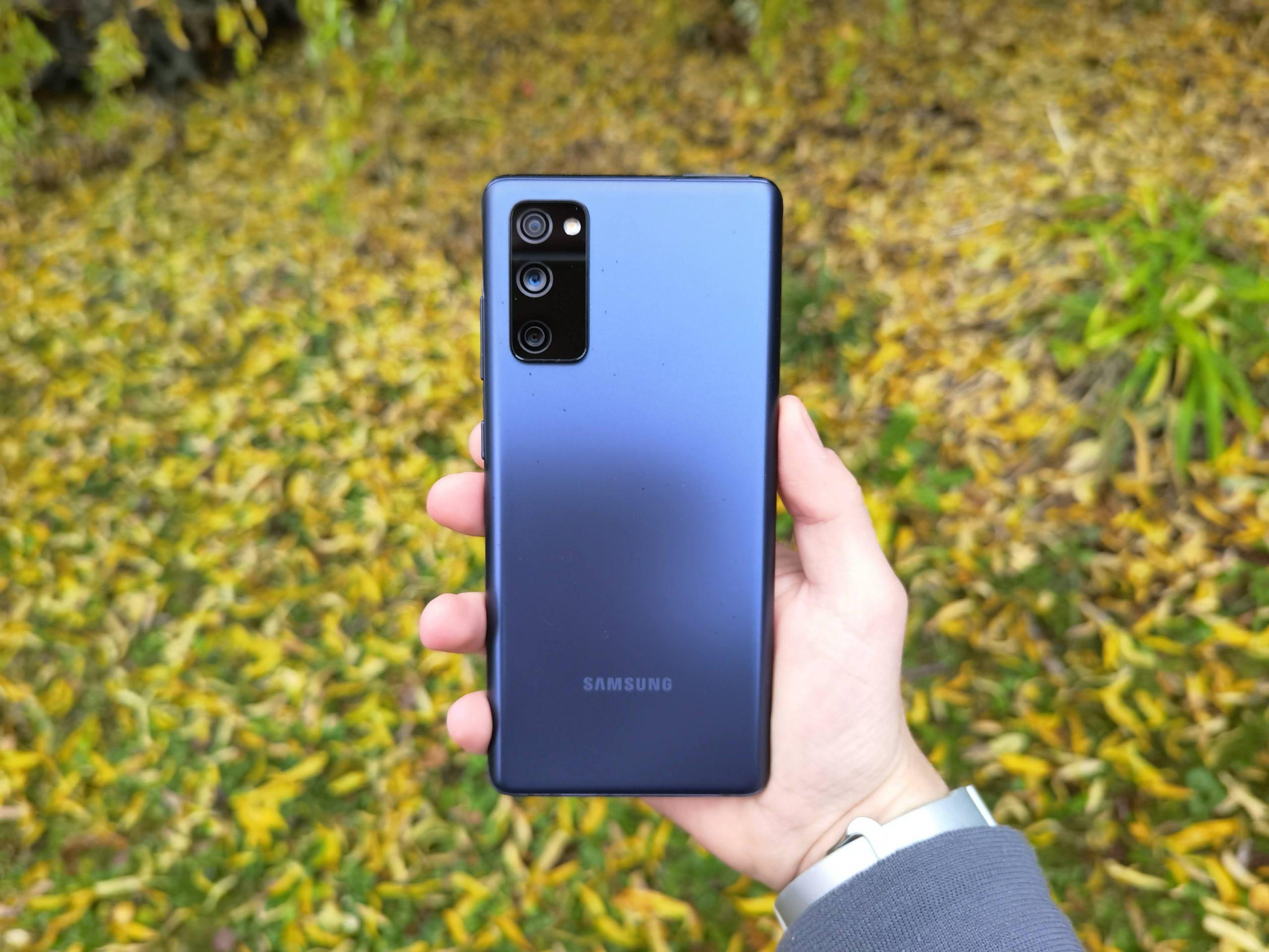 Samsung udělá zřejmě další odvážný krok, S21 nemá nabídnout microSD