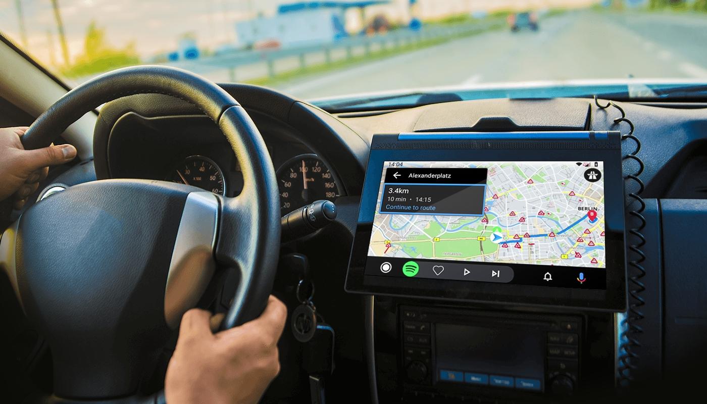 Android Auto získává podporu tapet a zkratky přes Google Assistent