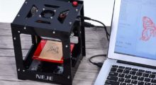 Kompaktní laserový gravírovací CNC stroj nyní v akci [sponzorovaný článek]