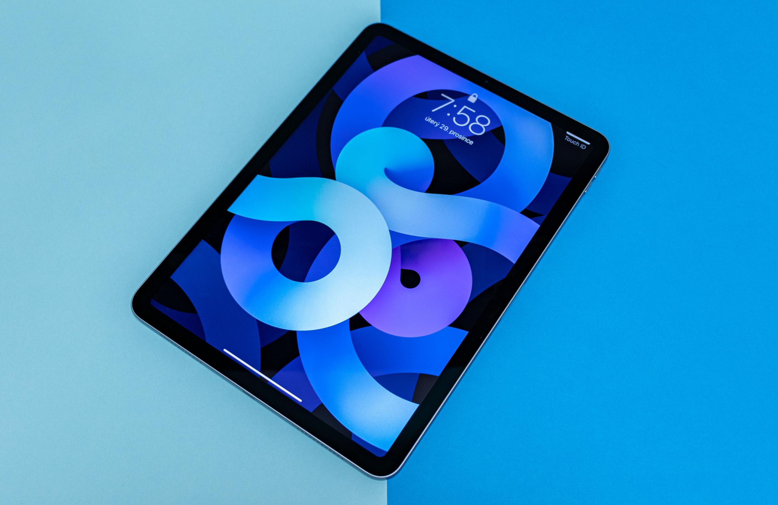 iPad Air 4 9 4743x3082x