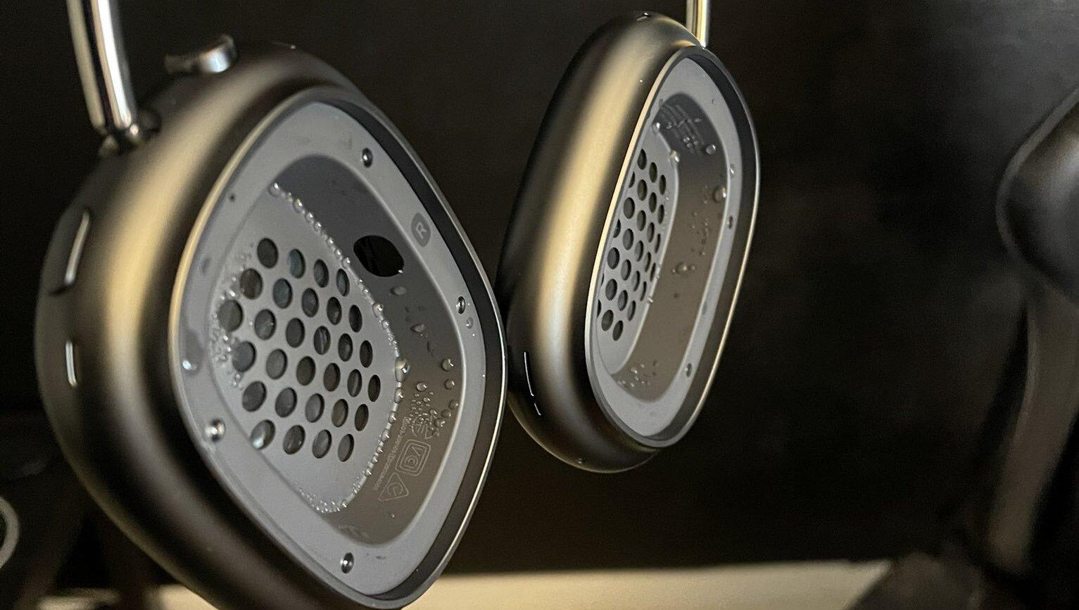 AirPods Max mají problém s kondenzací vody