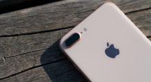 Celosvětové prodeje smartphonů klesly o 8,8 %