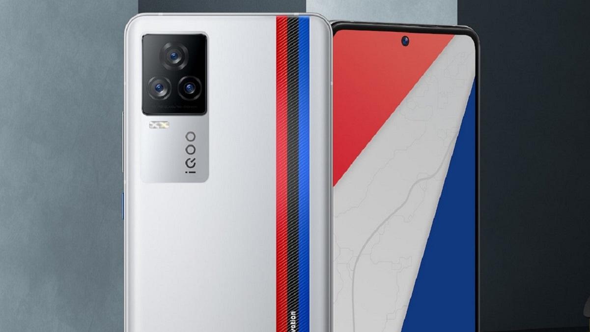 iQOO 7 oficiálně, nabízí se 120W nabíjení a 120Hz displej