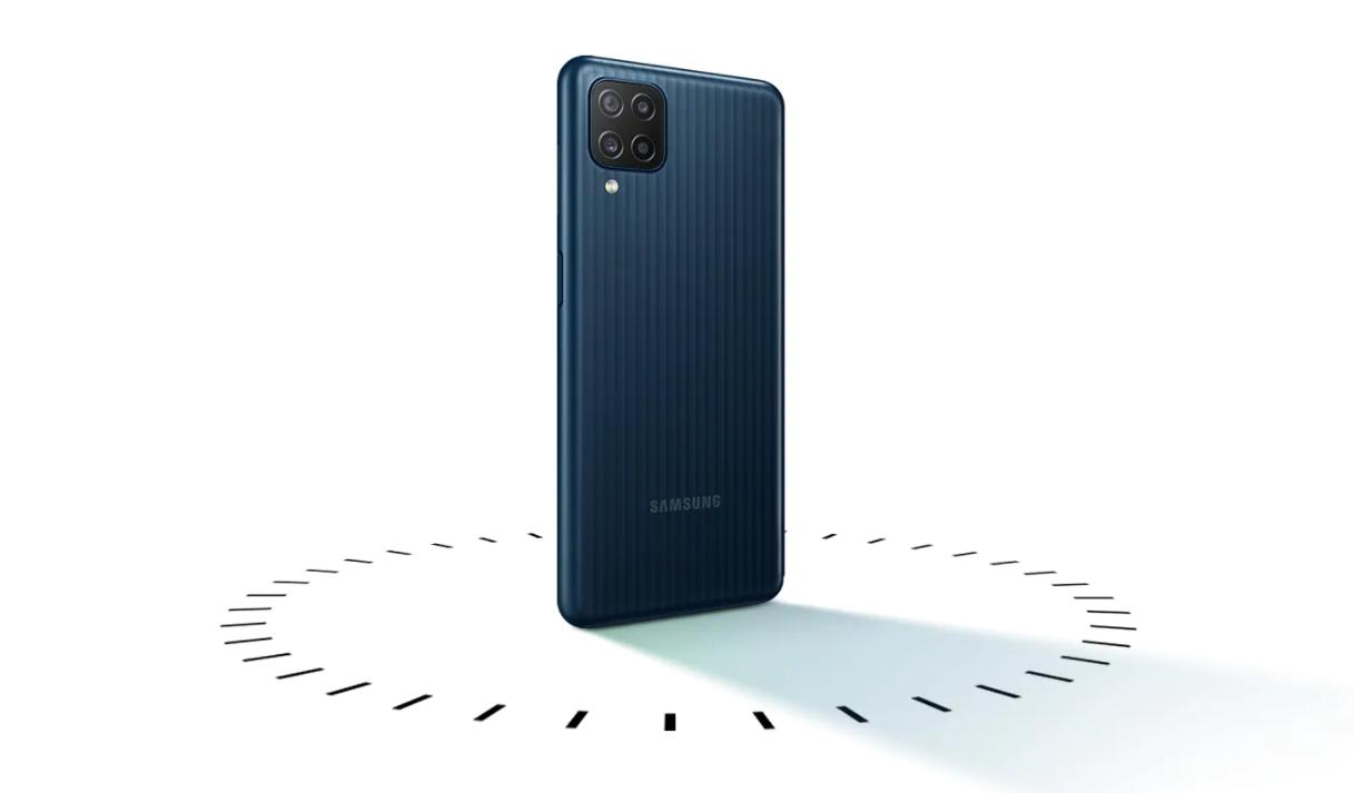 Galaxy M12 oficiálně, láká na 6000 mAh baterii
