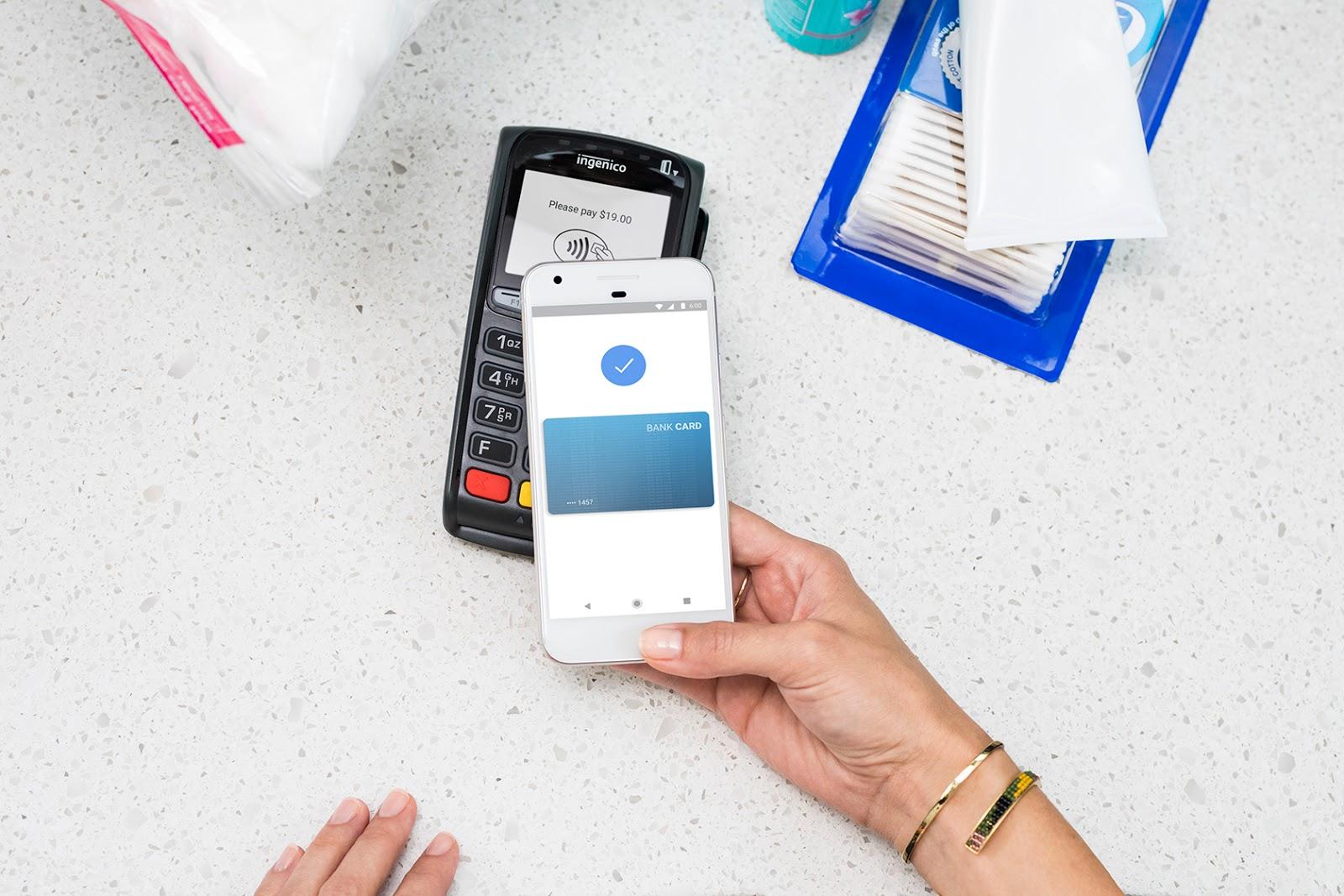 Google Pay v Česku – přidává se Hello bank! [aktualizováno]