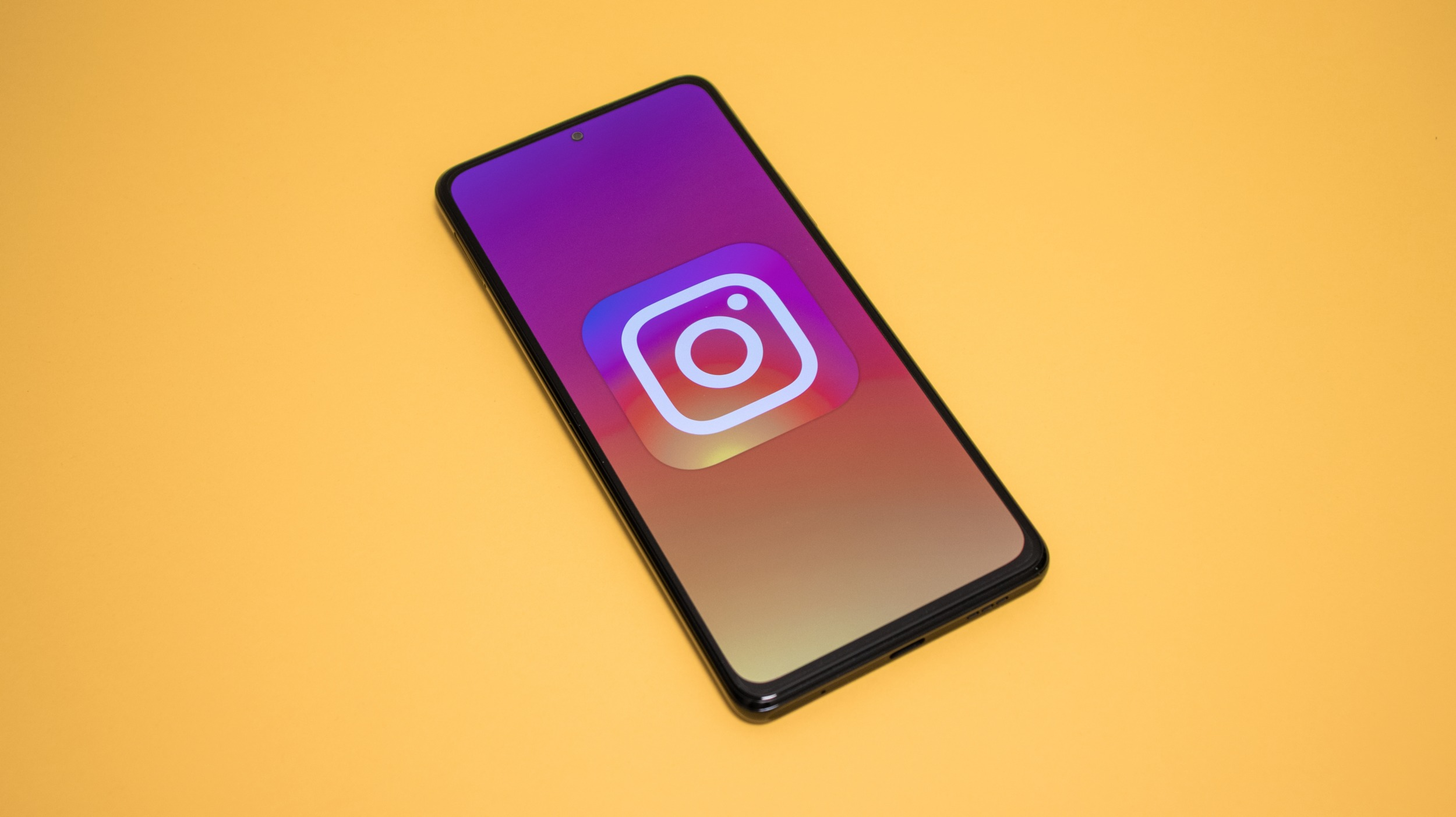 Instagram – zabezpečený chat, Collab nebo audio a video hovory v přípravě