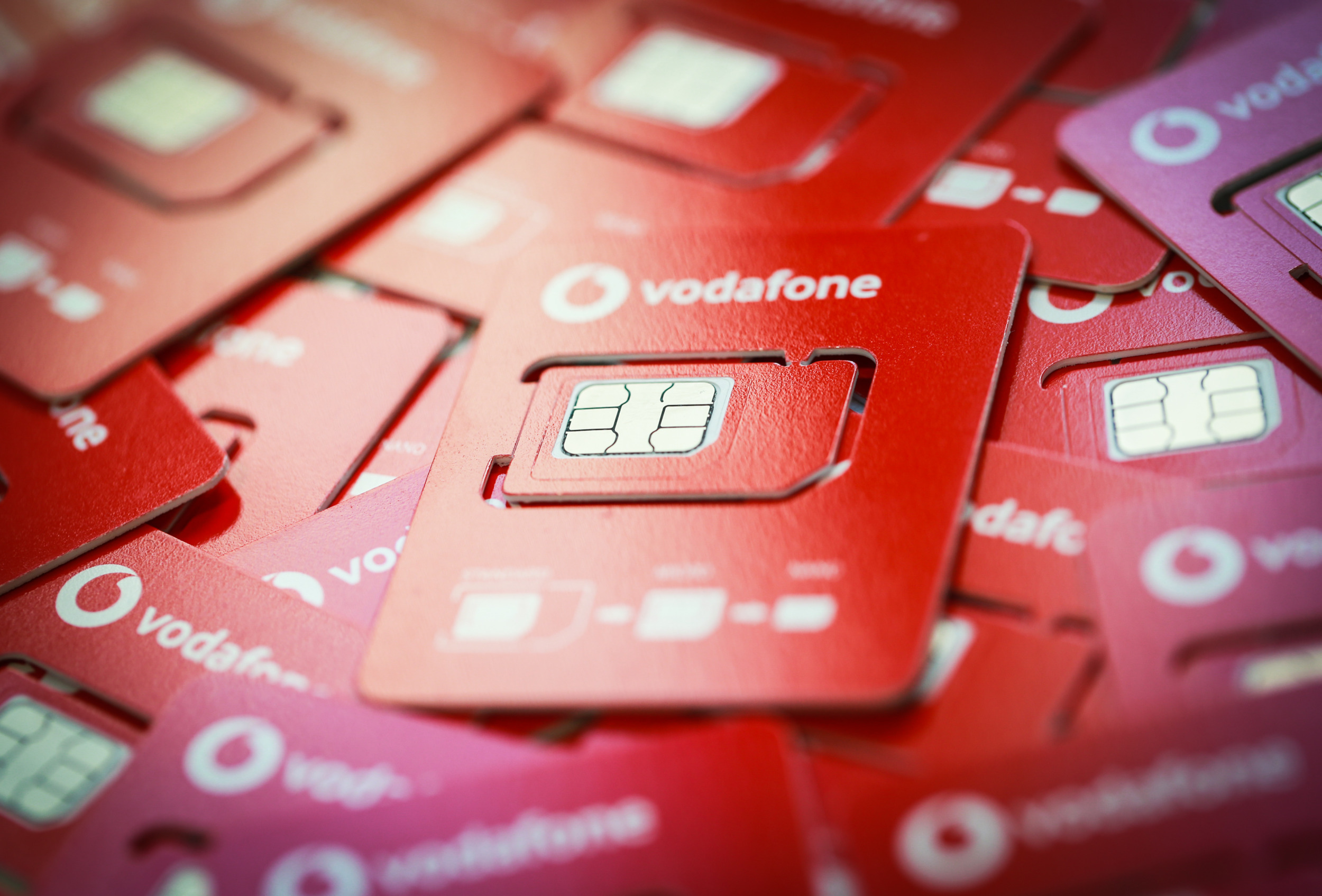 Vodafone upravuje nosiče SIM karet, myslí na ekologii