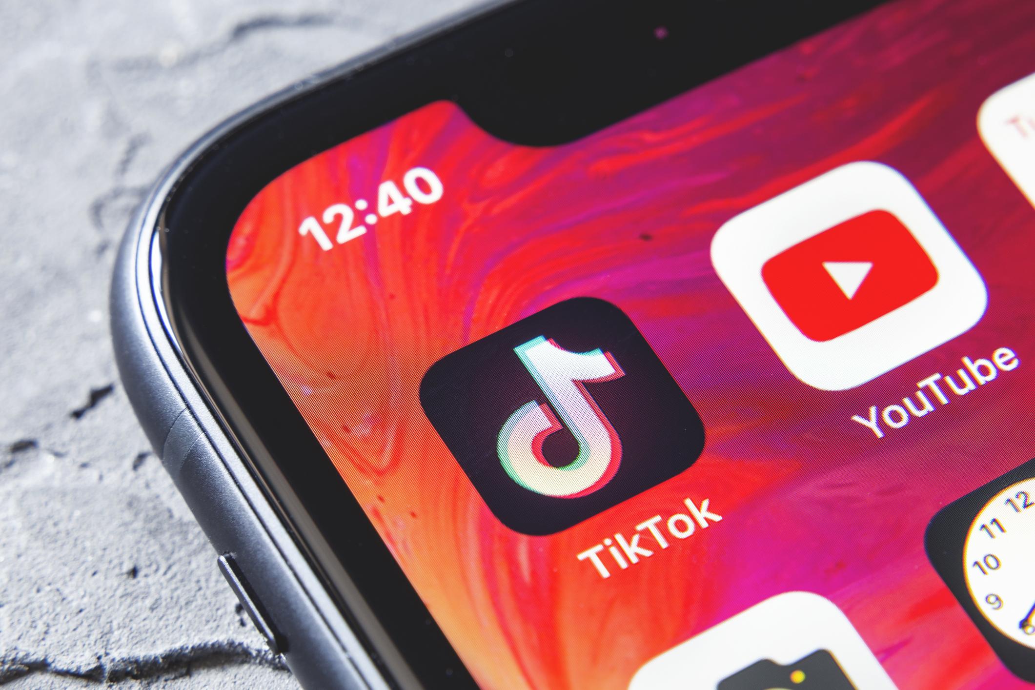 TikTok zavádí nové funkce v komentářích jako prevenci proti vulgárnímu obsahu