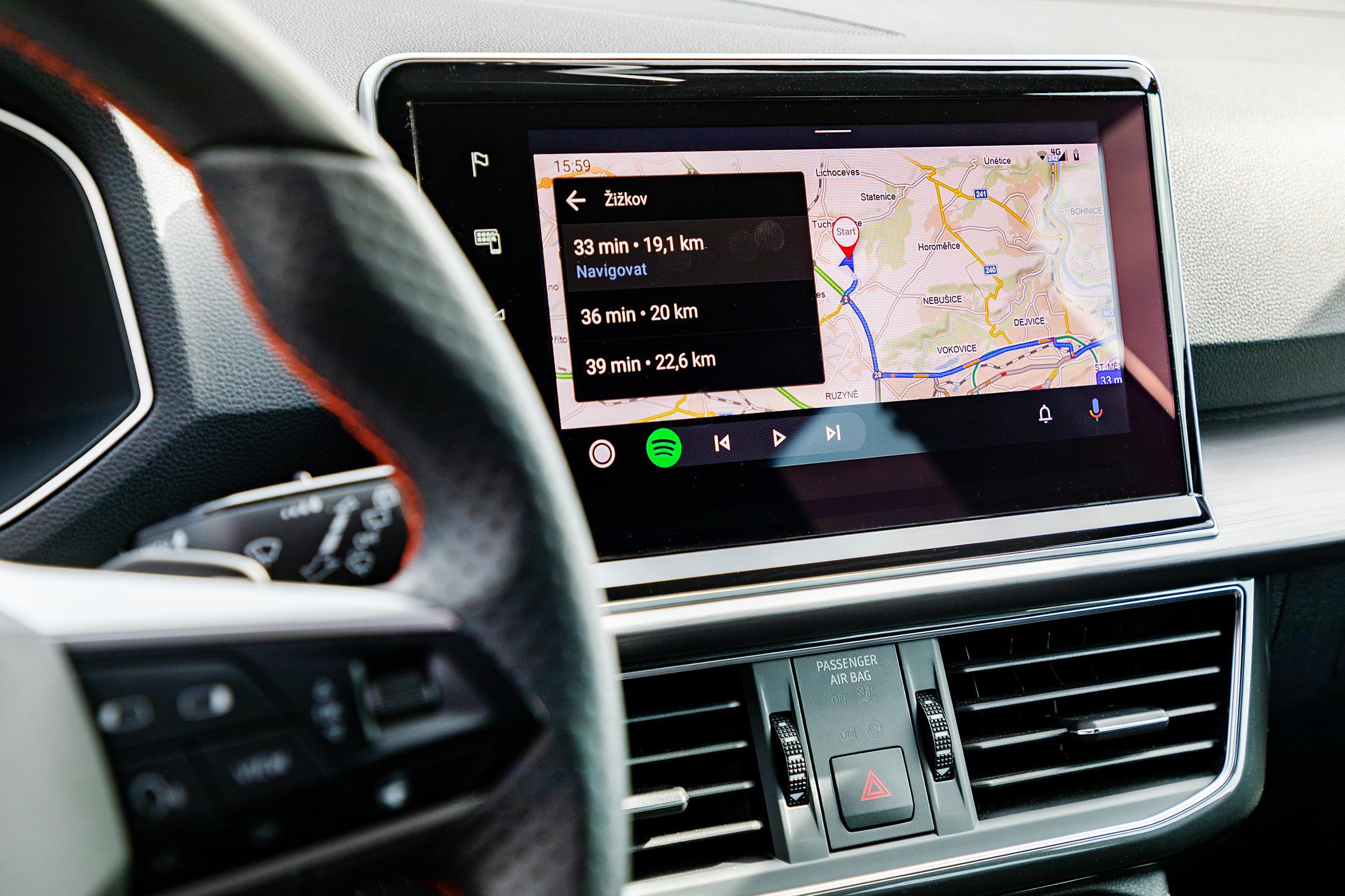 Mapy.cz oficiálně podporují Android Auto