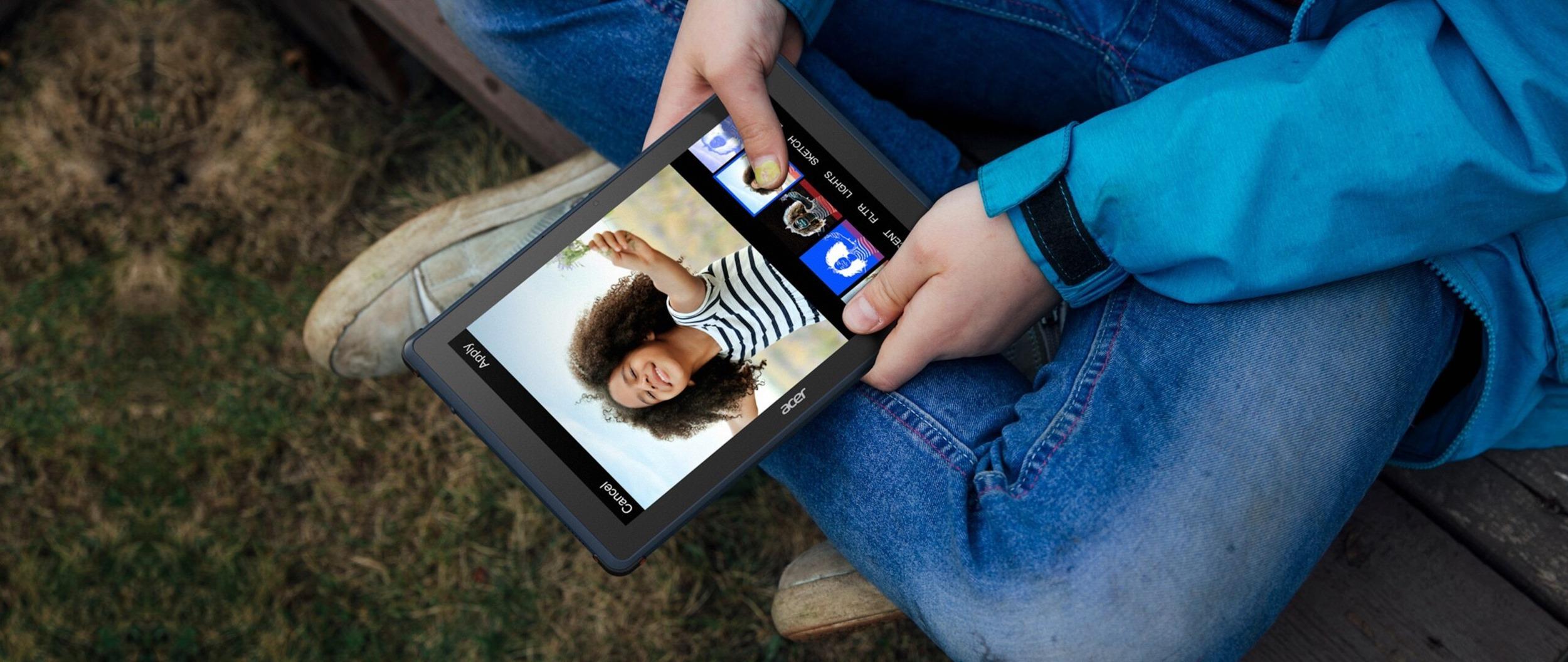 Tablet Enduro Urban T1 od Aceru odolá i méně šetrnému zacházení