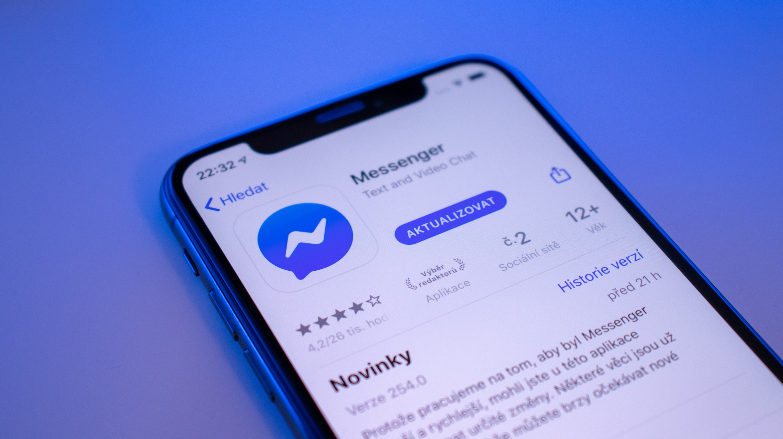 Pozor na falešnou reklamu lákající na Facebook Messenger