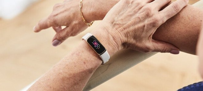 Fitbit Luxe 1618575287 1 12 660x298x