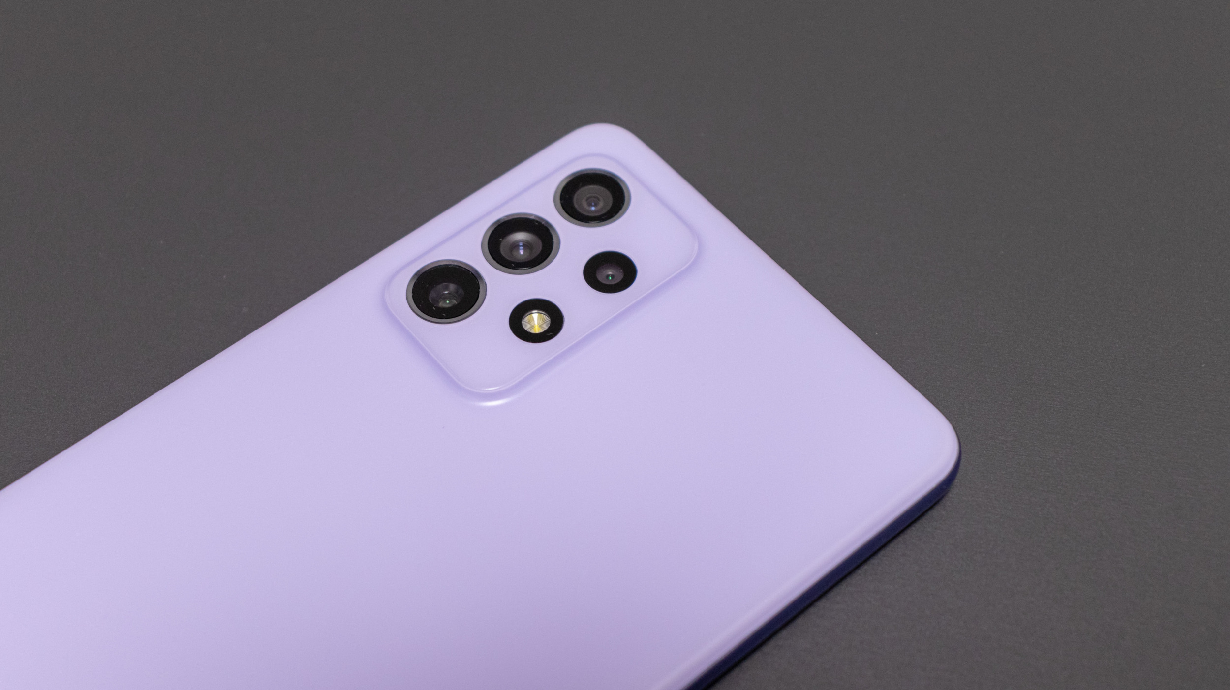 Galaxy A72 6 6000x3368x