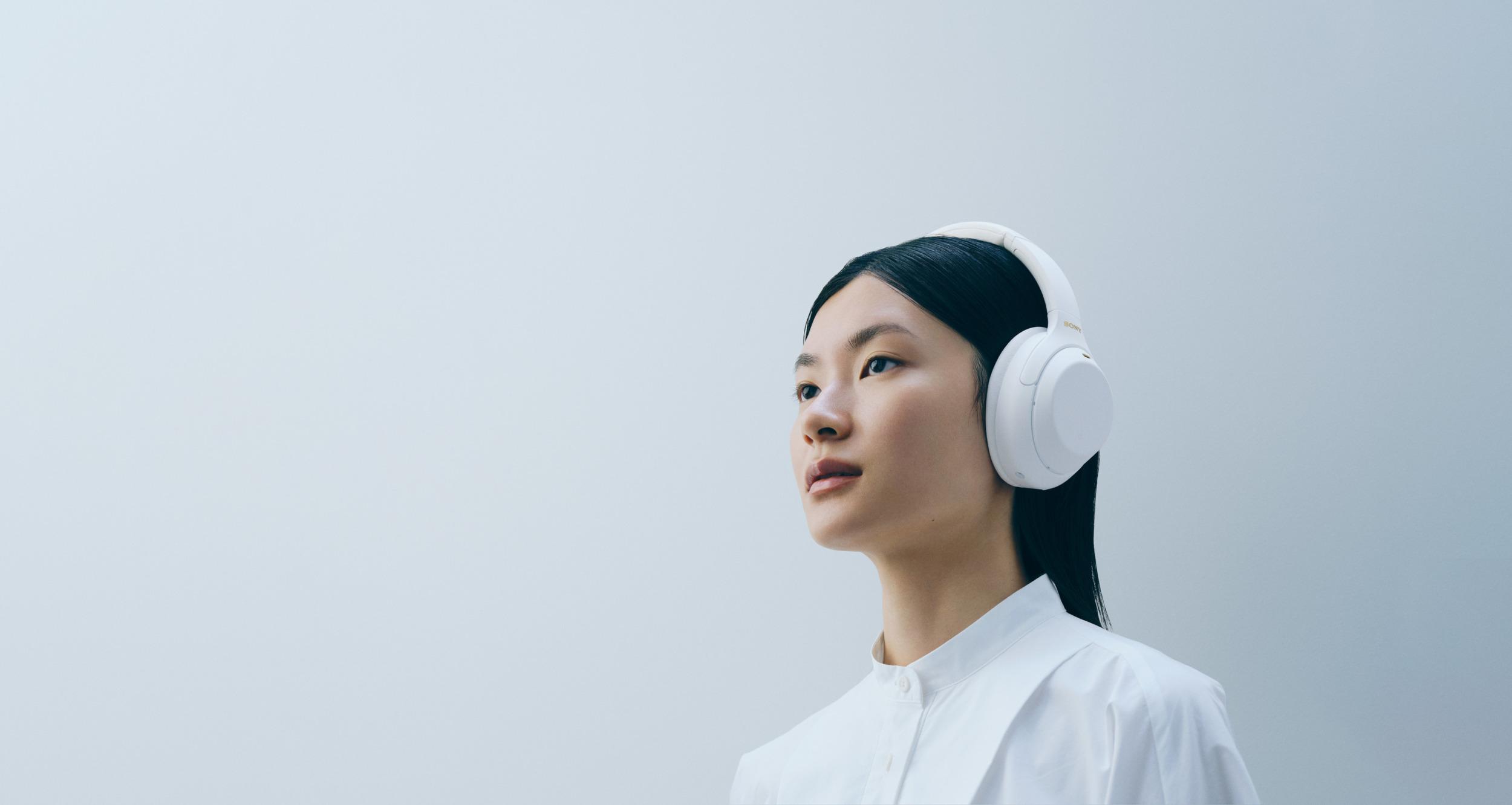 Společnost SONY uvádí na trh novou limitovanou edici bezdrátových sluchátek Silent White