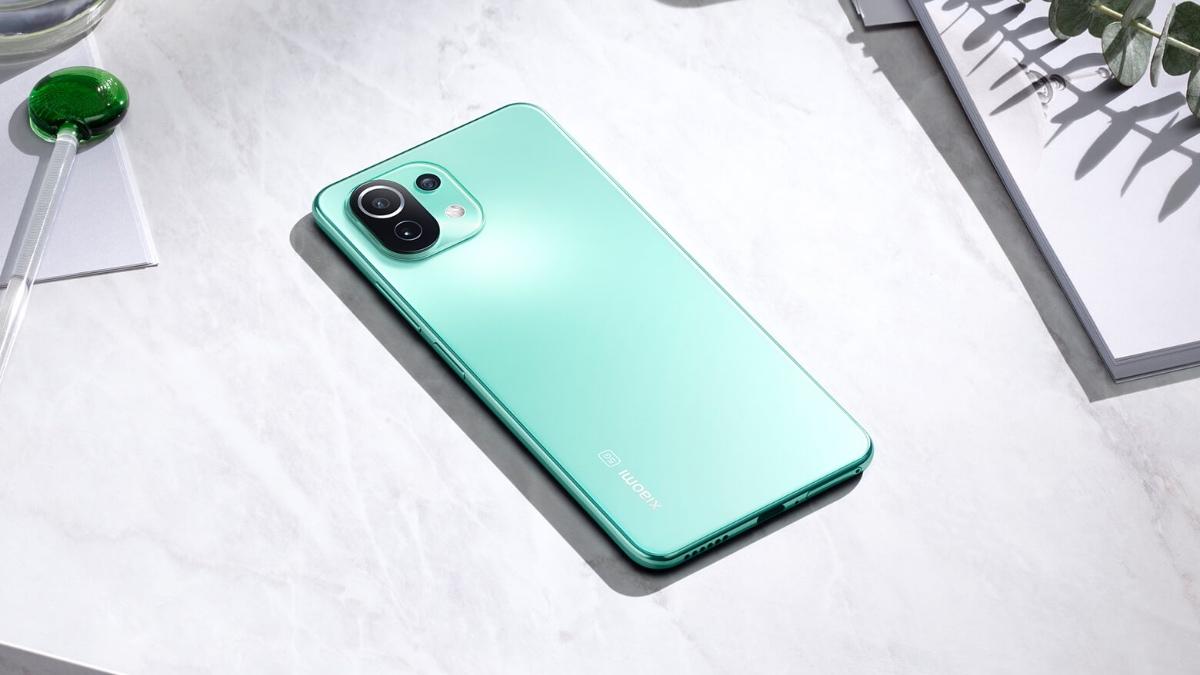Nově v prodeji – Xiaomi Mi 11 Lite 5G s náramkem Mi Band 6 zdarma [sponzorovaný článek]