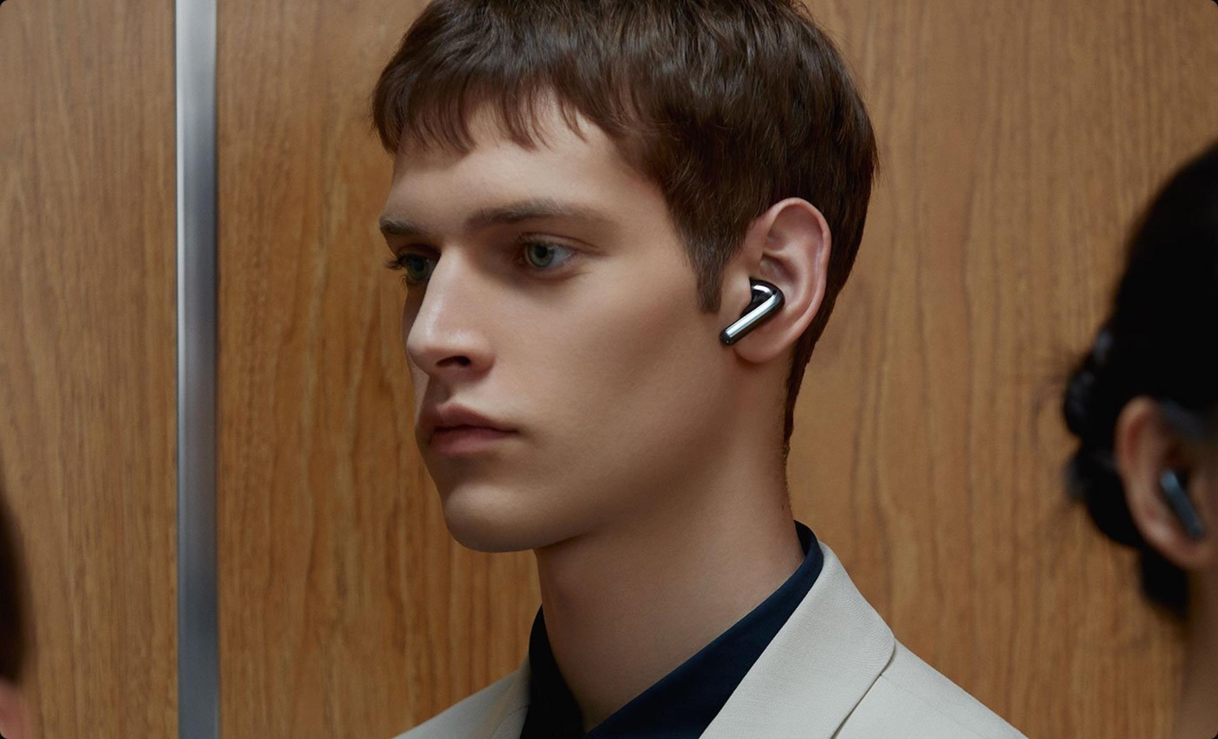 Xiaomi ukázalo prémiová sluchátka FlipBuds Pro