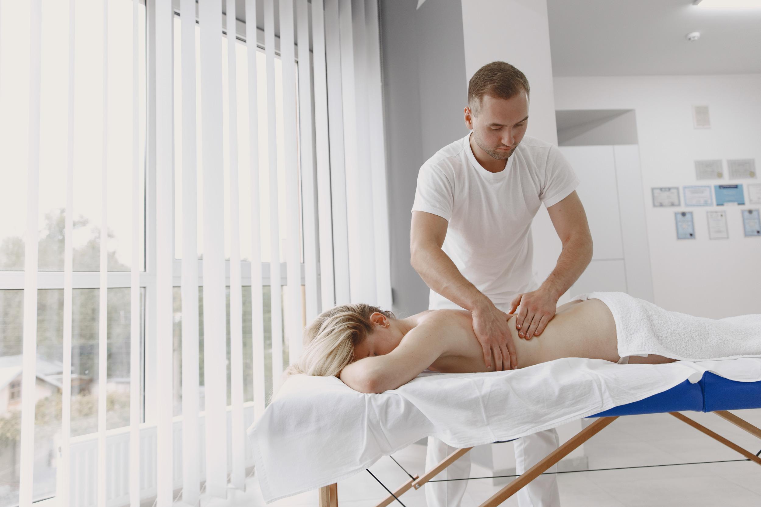 Jak vybrat masážní lehátko? [sponzorovaný článek]