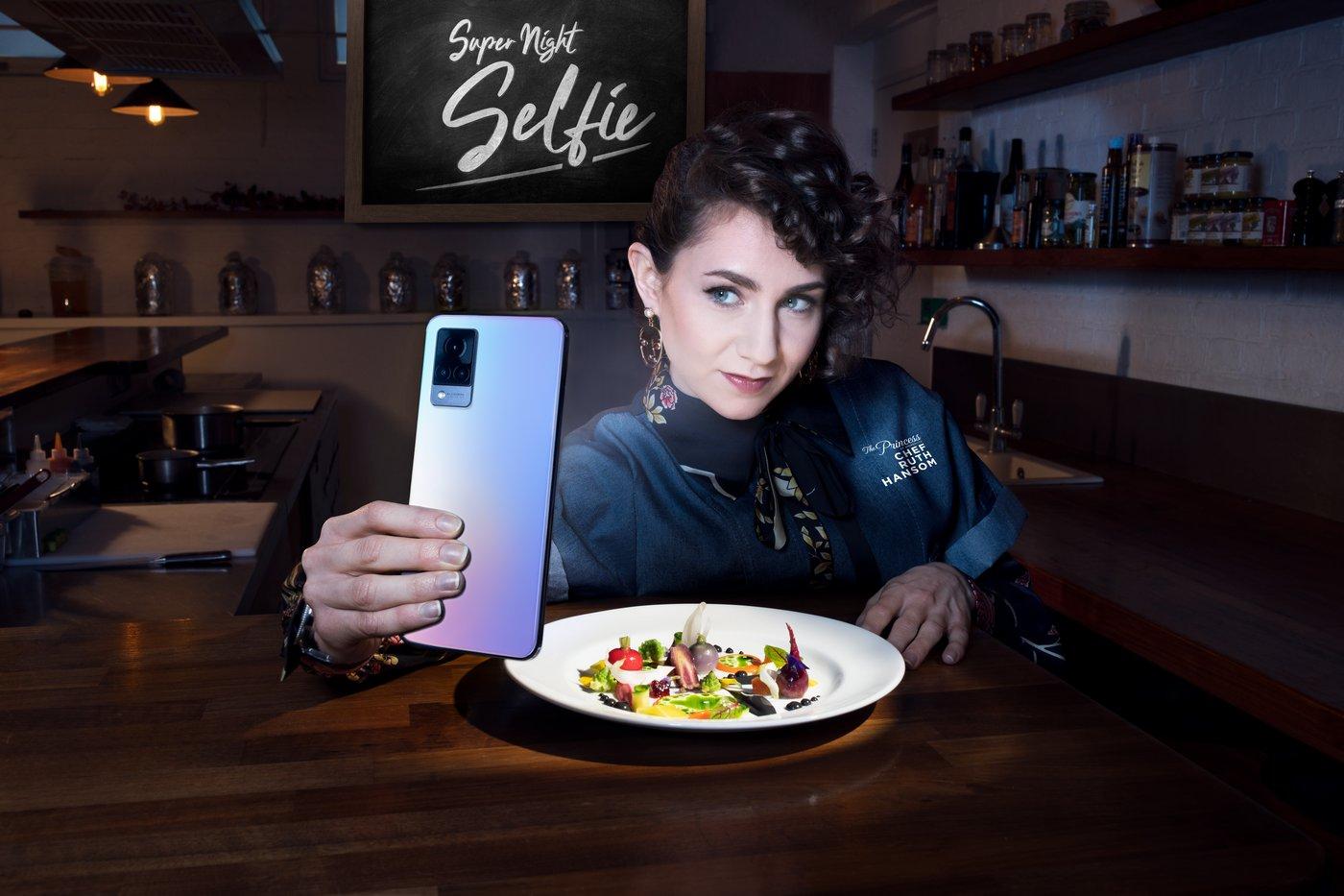 vivo V21 se selfie kamerou s optickou stabilizací přichází na náš trh, cena je příjemná