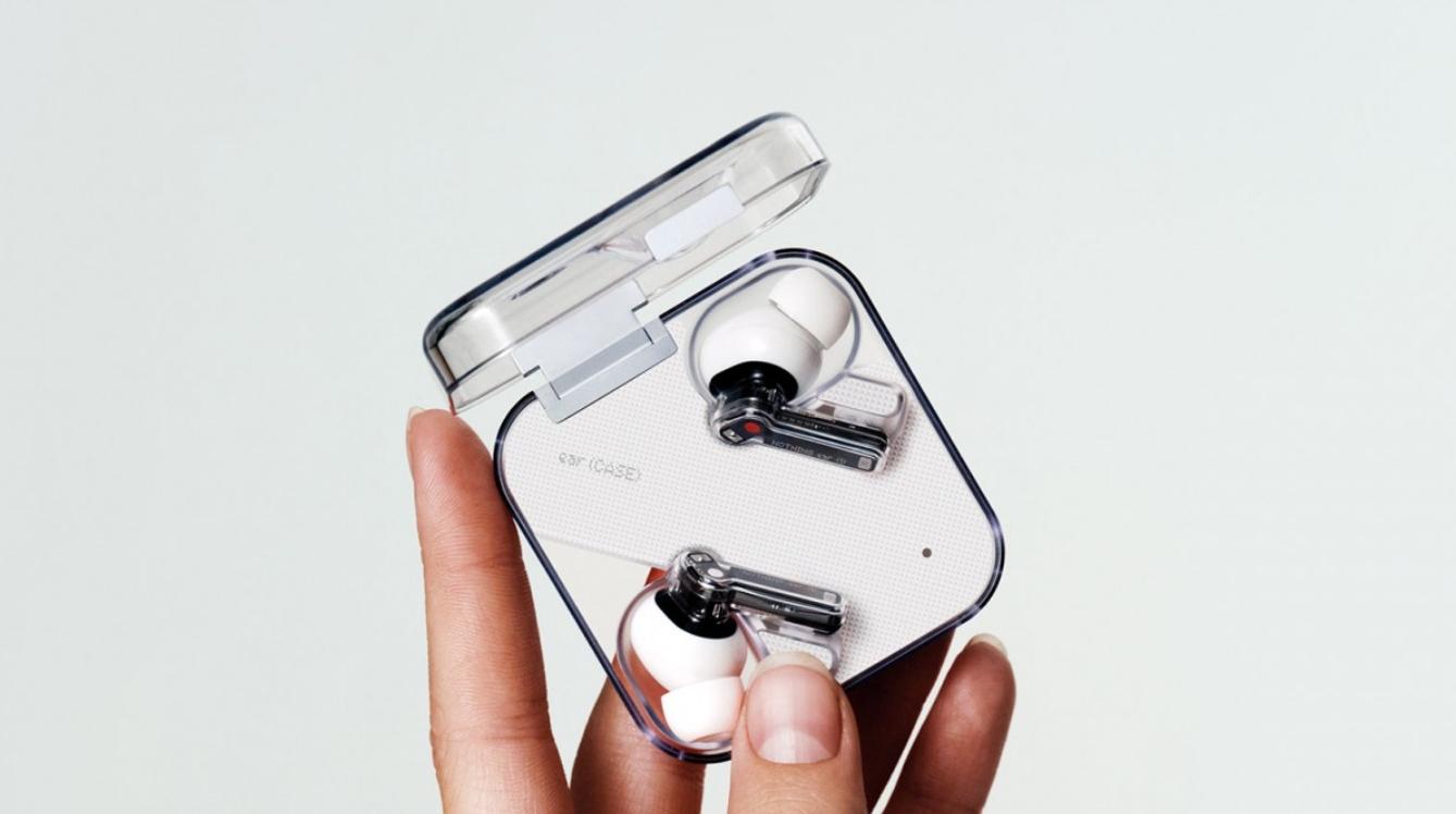 Nothing ear (1) oficiálně, první produkt za 99 eur