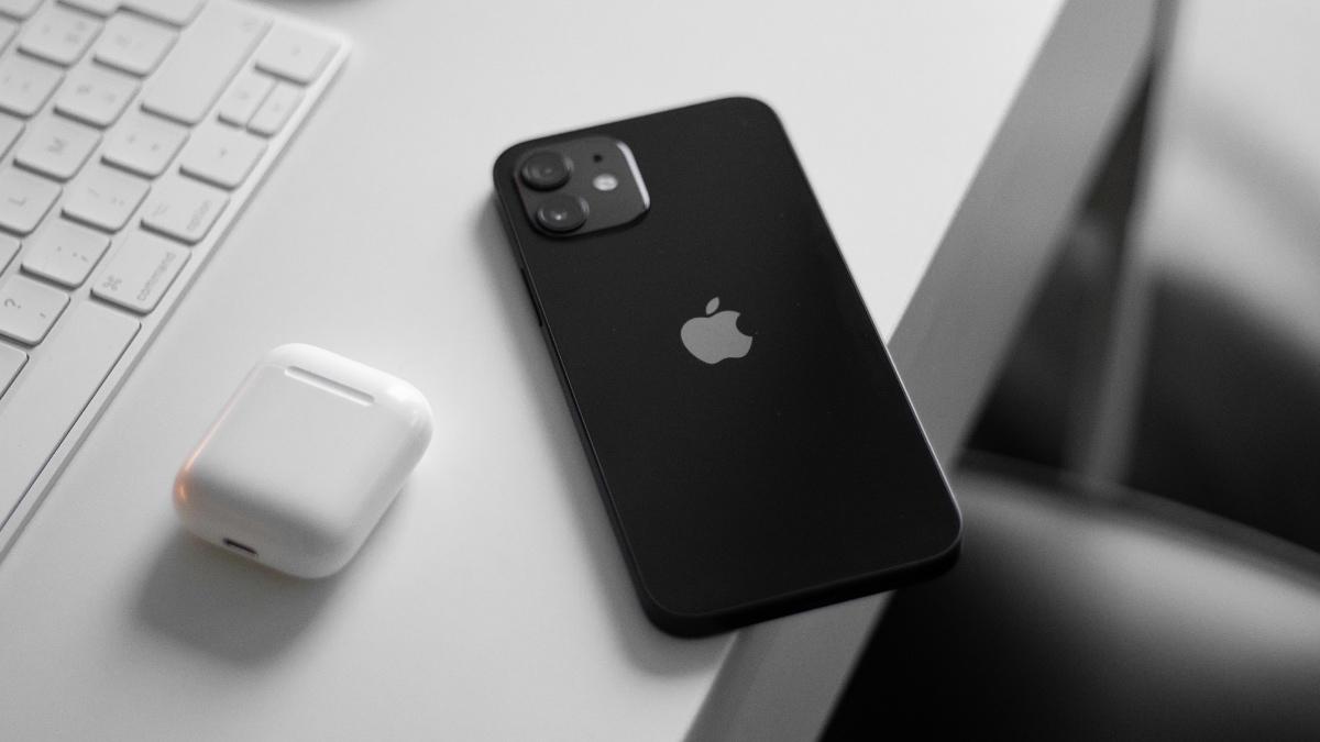 Apple a Samsung v pořádných slevách. Back to Black Friday srazil ceny na minimum [sponzorovaný článek]
