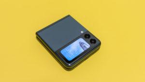 Galaxy Z Flip3 11 6000x3375x