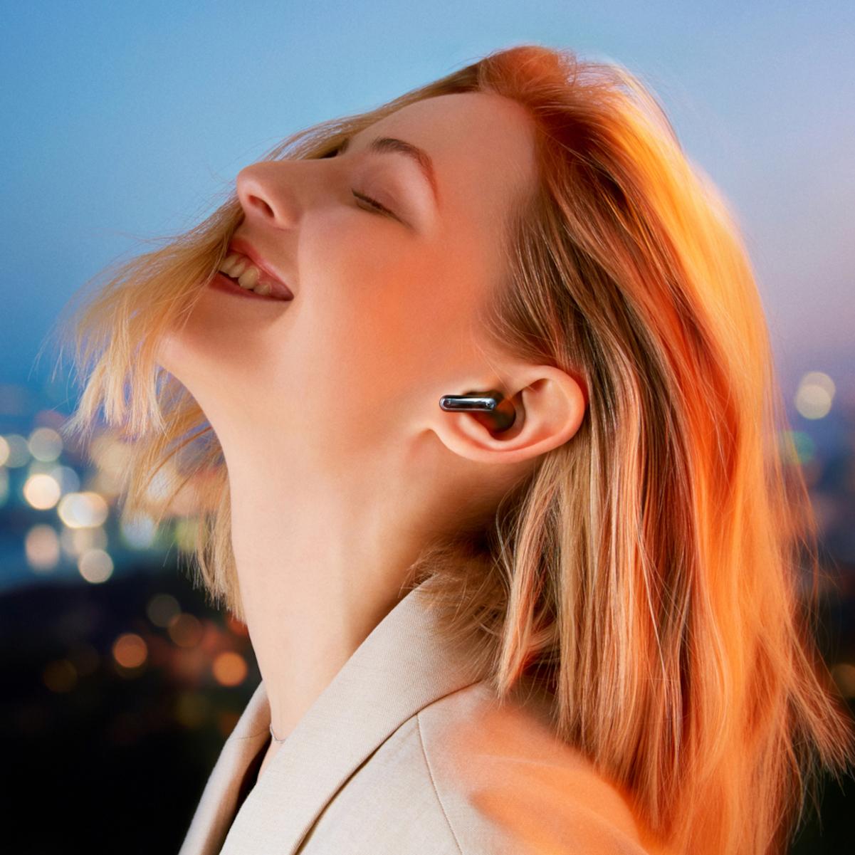 LG rozšiřuje nabídku o dvojici sluchátek Tone Free