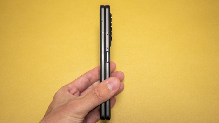 Galaxy Z Fold3 21 6000x3368x