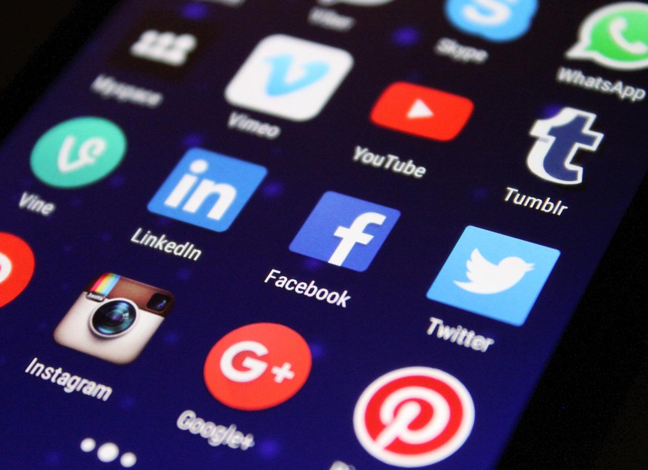 Uživatelé za mobilní aplikace v App Storu v první polovině letošního roku utratili téměř 41,5 miliardy dolarů