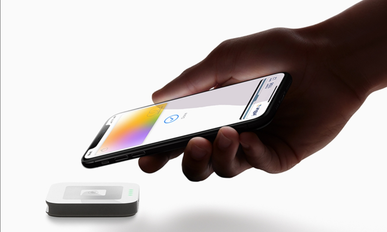 Apple Pay v Česku: přidává se Hello Bank [aktualizováno]