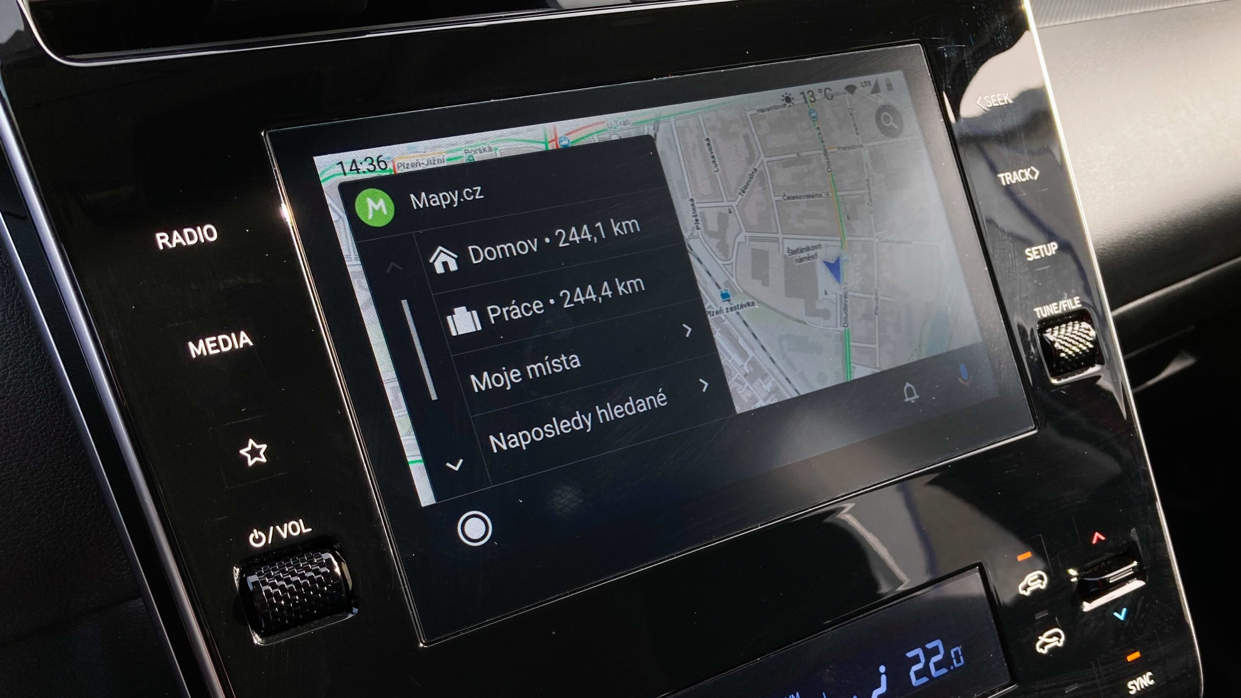 Google dostal pokutu kvůli uzavřenosti Android Auto